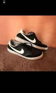 Nike authentic size 44