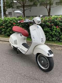 Vespa 946 with ABS and ASC. Registration date 1/04/2014