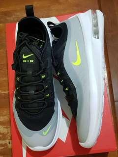 Nike Air Max Axis size 10 US and 10.5 US for men