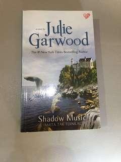 Shadow Music by Julie Garwood (Novel Terjemahan)