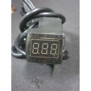 Keyless Voltmeter