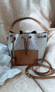 MK ORIGINAL PRE LOVE WITH LONG STRAP IN.A VERY GOOD CONDITION