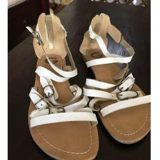 expat sale: Guess branded white Roman sandles