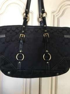 *Christmas Sale* Authentic Coach Tote Bag