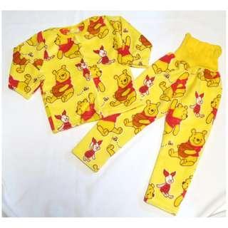 日單小熊維尼與豬仔珊瑚絨家居服套裝 size 100