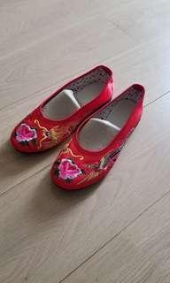 全新結婚繡花鞋