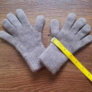 Grey Winter Gloves