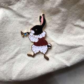 小清新玩味童話愛麗斯 兔先生 PIN 牛仔褸 背包tote bag帆布袋 恤衫領口針 胸口針 配飾