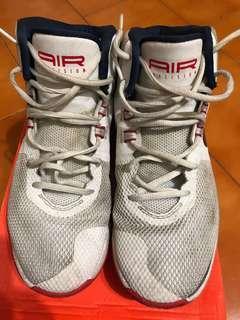 🚚 Nike 籃球鞋9號半