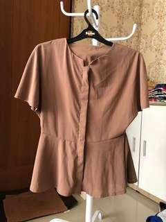 Top Atasan Blouse Coklat