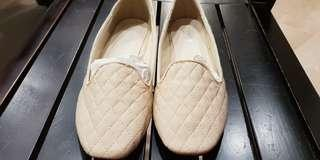 Quilted loafers flats (beige) from Velvet