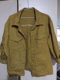 土黃類牛仔外套