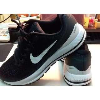Nike Air Zoom Vomero 13 女鞋