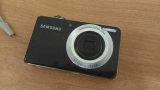 Camera Poket Samsung PL100 (kondisi rusak)