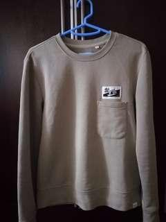 Ad-lib pocket sweater