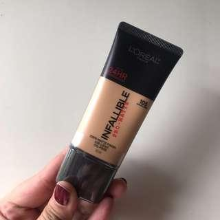(NEW) Loreal Infallible Pro Matte Liquid Foundation Shade 105 Natural Beige