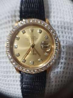 ROLEX OYSTER PERPECTUAL DATE JUST 36.   18K YELLOW GOLD WITH GENUINE DIAMOND BEZEL.   18K FULL GOLD 6 INCHES LENGTH BRACELET.   AUTHENTIC.