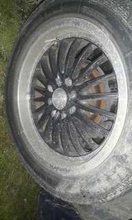 Spotrim 16 8 holes with tyres