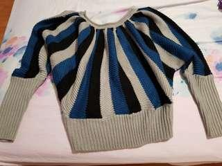 🚚 Stripped sweater from echo, free size