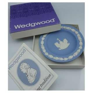 Wedgwood BLUE ROUND TRAY PLATE -PICCADILLY CIRCUS w/Box