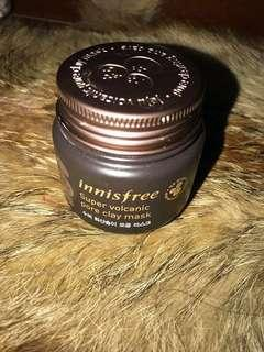 Innisfree volcanic pore clay mask