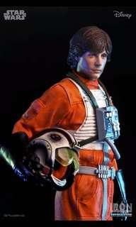 Luke Skywalker X-Wing Pilot 1/10 Scale Iron Studios