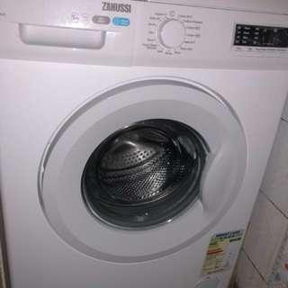 Zanussi ZFV828 washing machine
