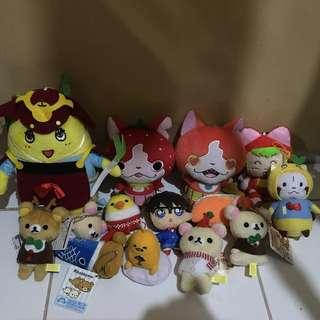 Assorted small toys and charms