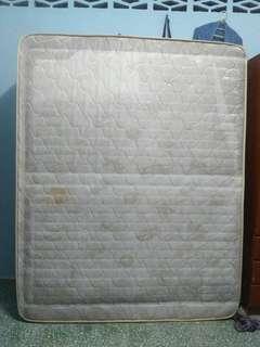Queen mattress spring