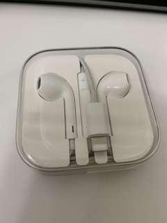 🚚 Apple earphones lightening