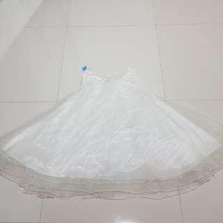 Baju atasan wanita unik mekar putih