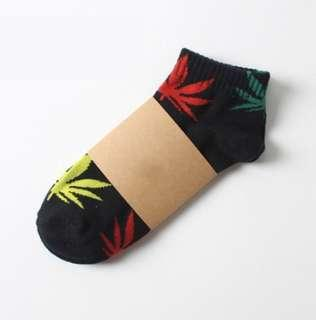 4 for $10 Mapletree maple leaf ankle socks Unisex comfortable wear