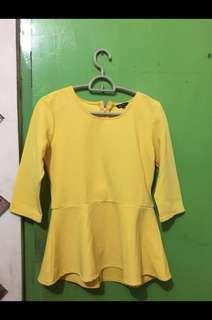 Blouse pepplum yellow