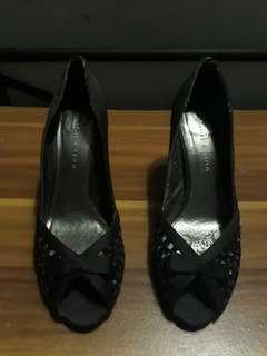 heels charles n keith