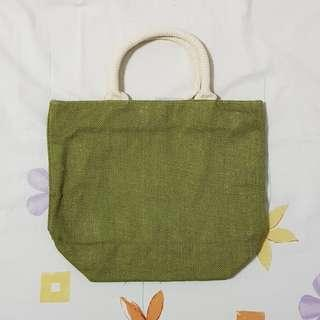 ✨ BN Army Green Straw Handbag