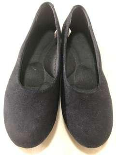 Authentic Muji ladies flat shoes