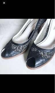 Sale 🈹Maud Frizon lace leather 通花魚咀高踭鞋heels
