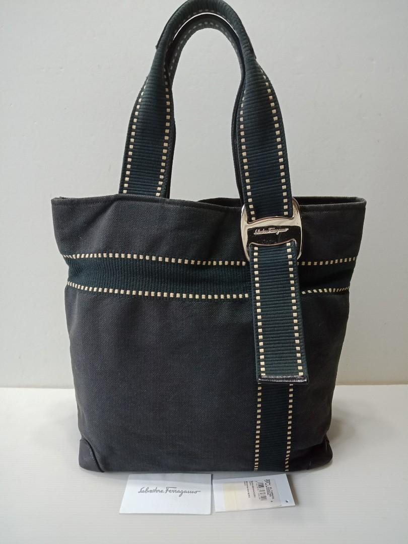 3a0a2f1e25 Authentic Ferragamo Bag