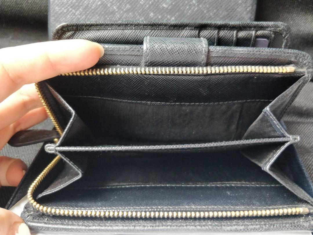 Authentic Prada wallet in saffiano leather