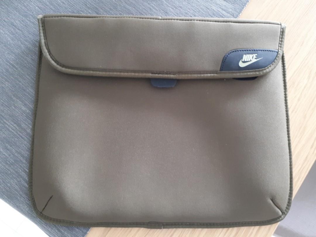 b818e89c8ebd Urgent Sale  BN Nike L38cm x W30cm Laptop Bag   Pouch