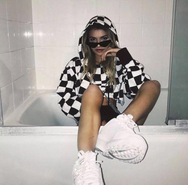 GODLY CHAIN CROPPED HOODIE