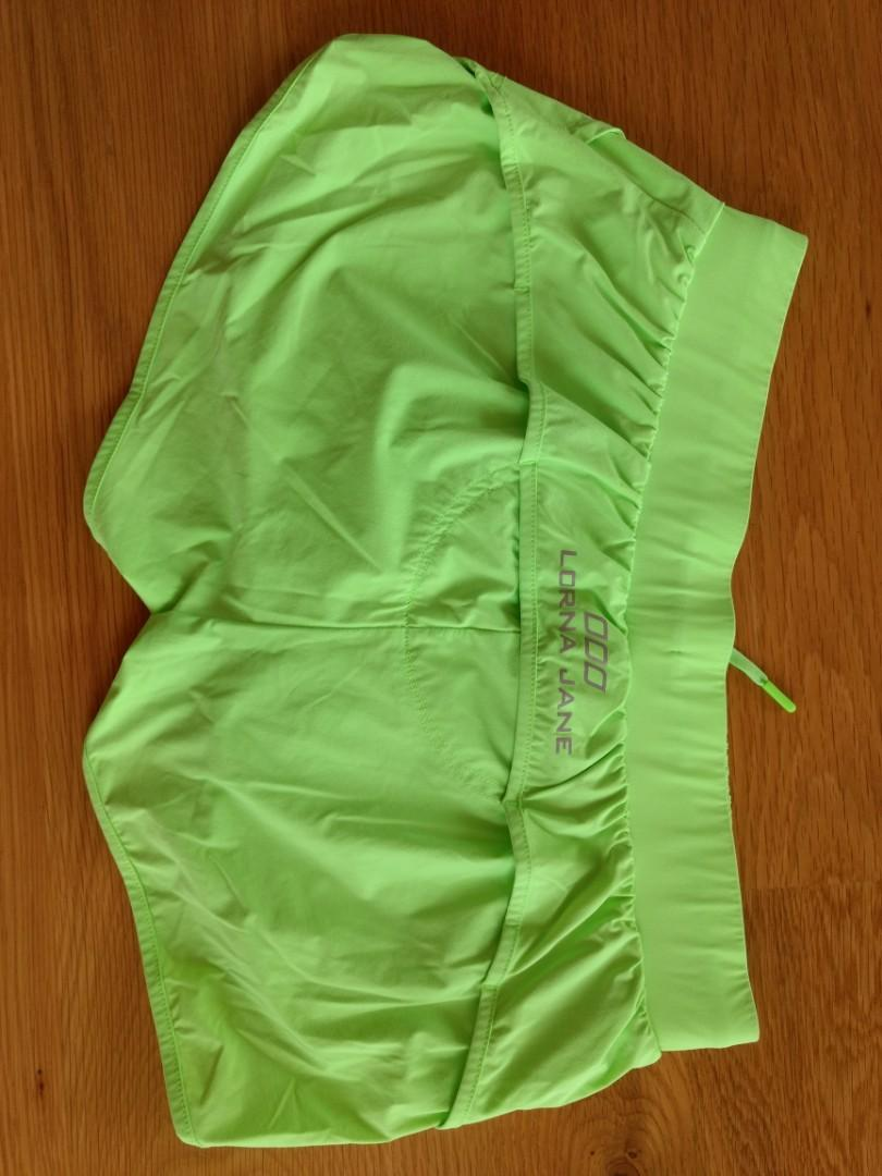 LORNA JANE active shorts - S