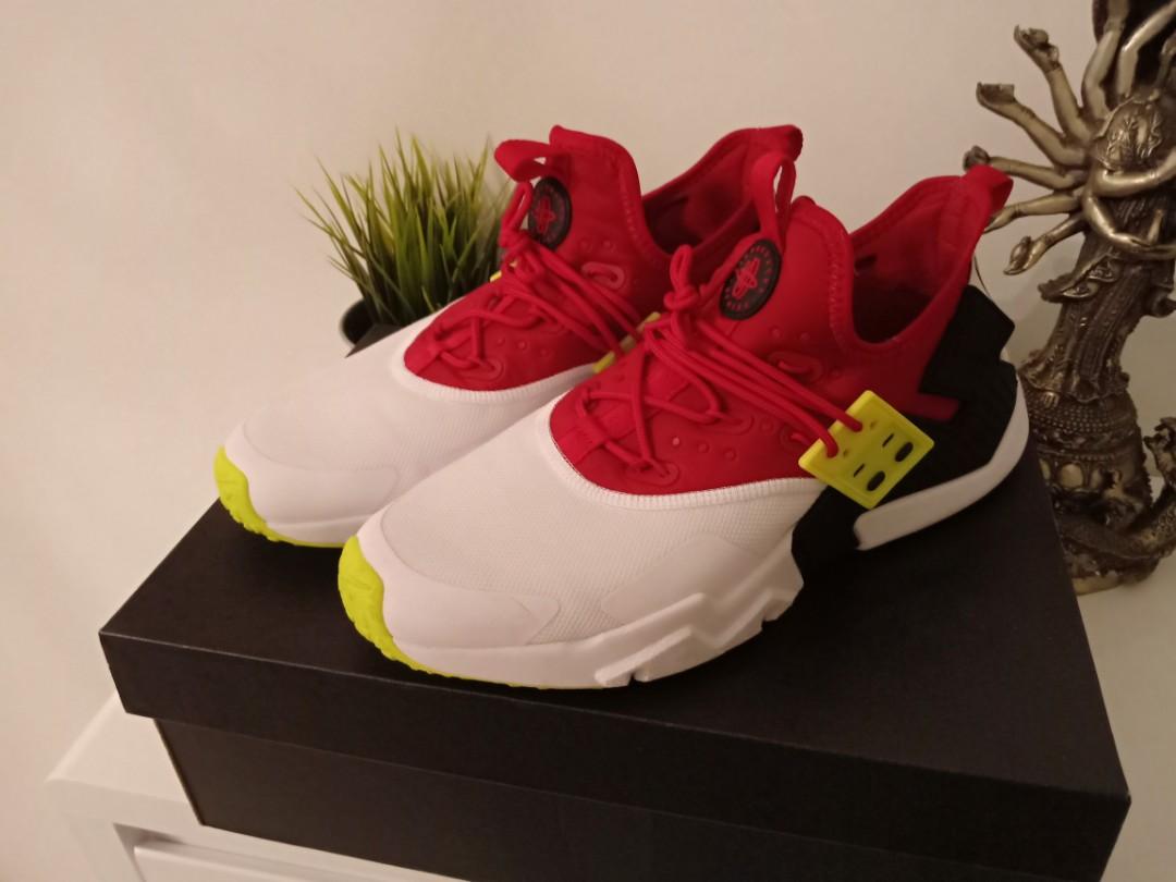 best service 86e85 af06b Nike - Men's Air Huarache Drift (GYM RED   WHITE   BLACK   V…, Men's  Fashion, Footwear, Sneakers on Carousell