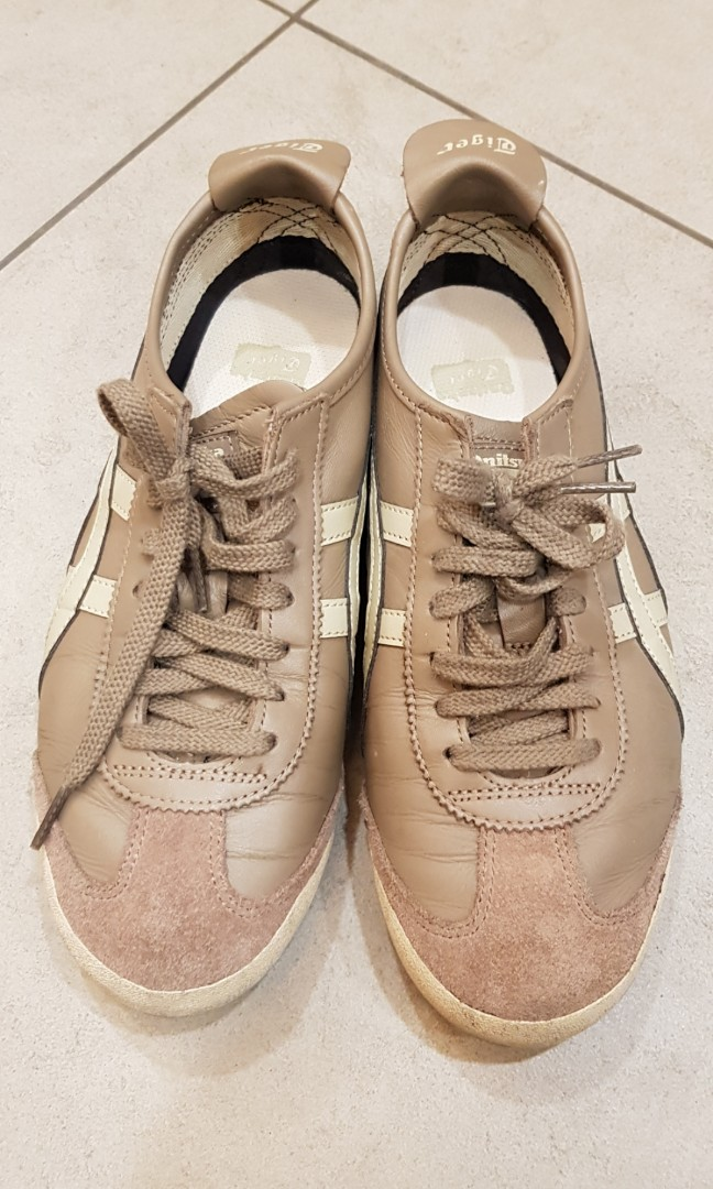 Onitsuka tiger leather sneaker size US 7.5