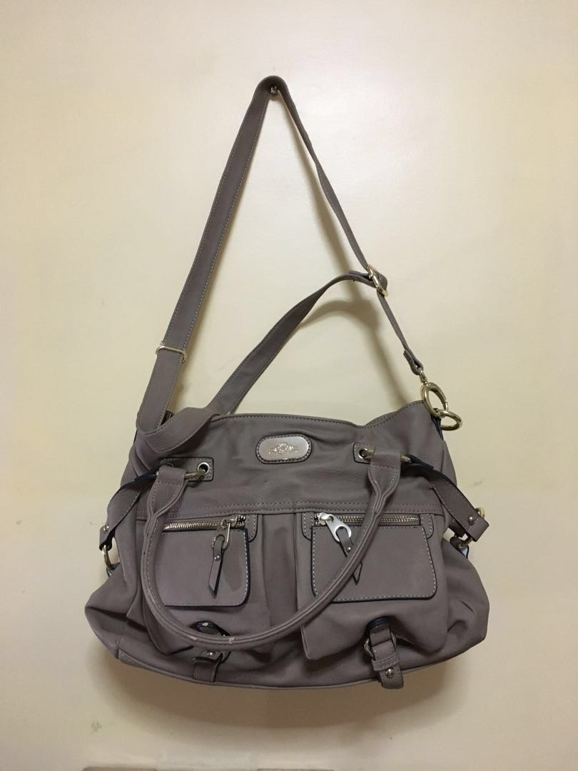 1c1677162d96 Paris Hilton Medium Shoulder Bag
