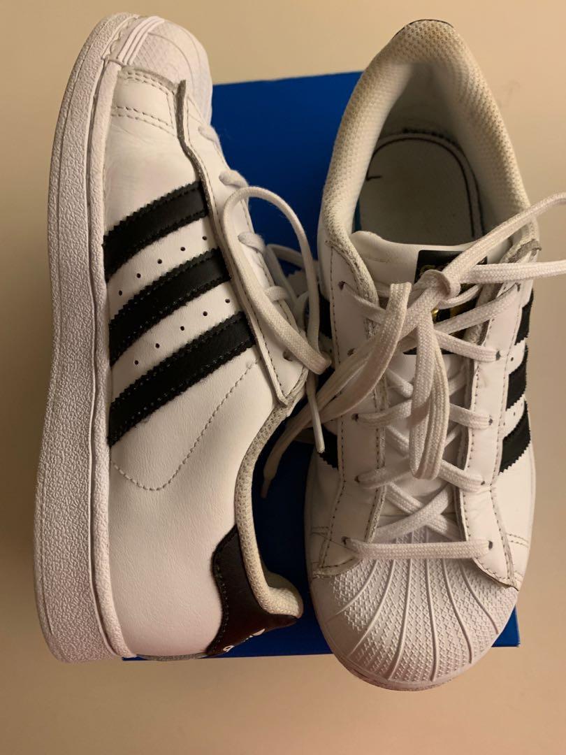 sale retailer 9ec74 bf897 Preloved Adidas Superstar Shoes (US 2.5), Babies   Kids, Boys ...