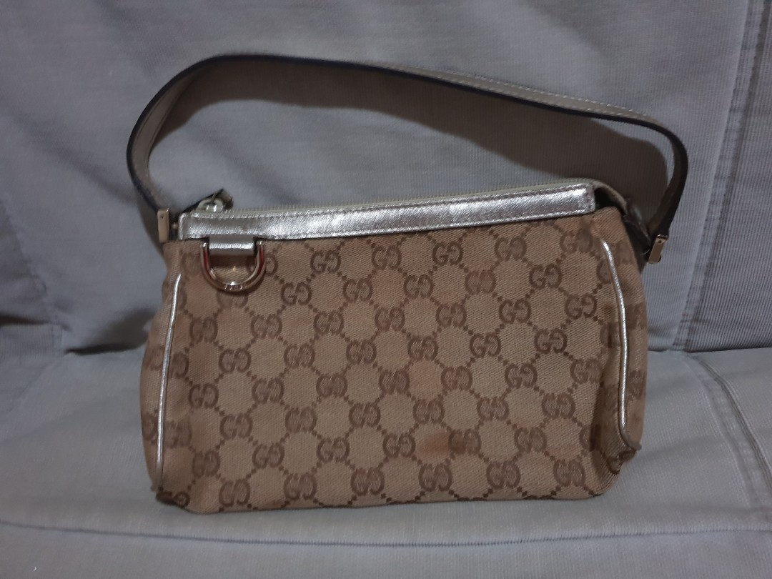 907ae194a2fda6 Preloved Small Gucci Clutch Bag, Luxury, Bags & Wallets, Clutches on ...