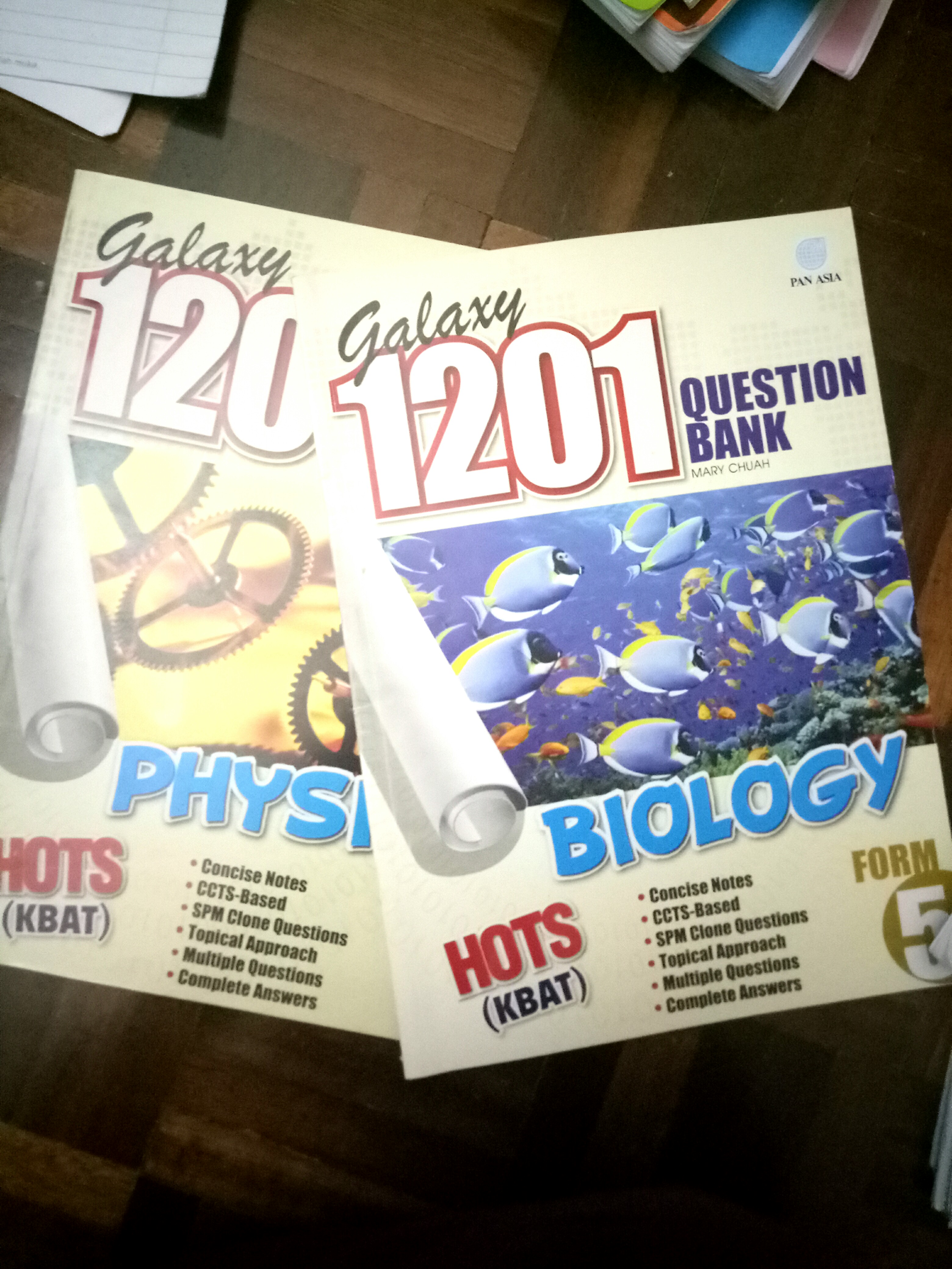 SPM Exercise Books Biology and Physics Form5