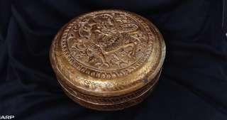 民國浮雕龍紋鎏金銅盒