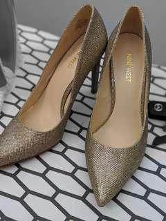 Nine west gold heels size 38